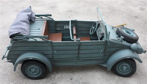 Sixth Scale German World War Ii Kubelwagen In Grey Paint