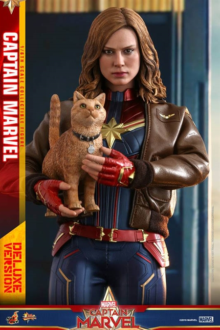 Captain Marvel - Deluxe Version  - Hot Toys 1/6 Scale Figure