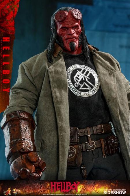 Figura Hellboy Mezco vol 2 20 cm