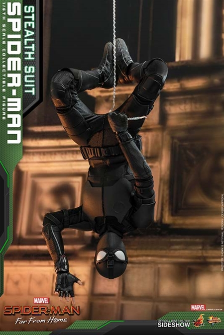 Spider-Man (Stealth Suit) - Spider-Man: Far From Home - Hot Toys 1/6 Scale Figure