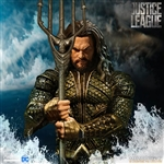 Aquaman - Mezco ONE:12 Scale Figure